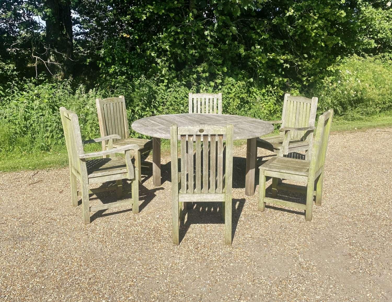 Circular Seating Set