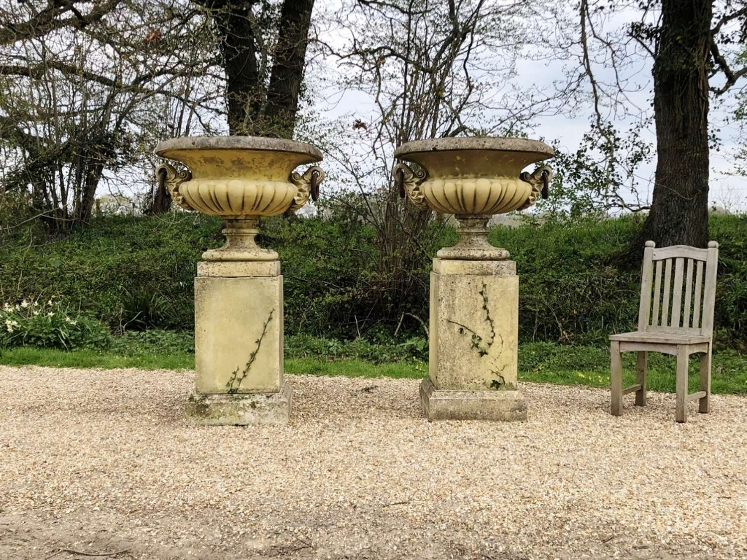 Very Large Ring Urns