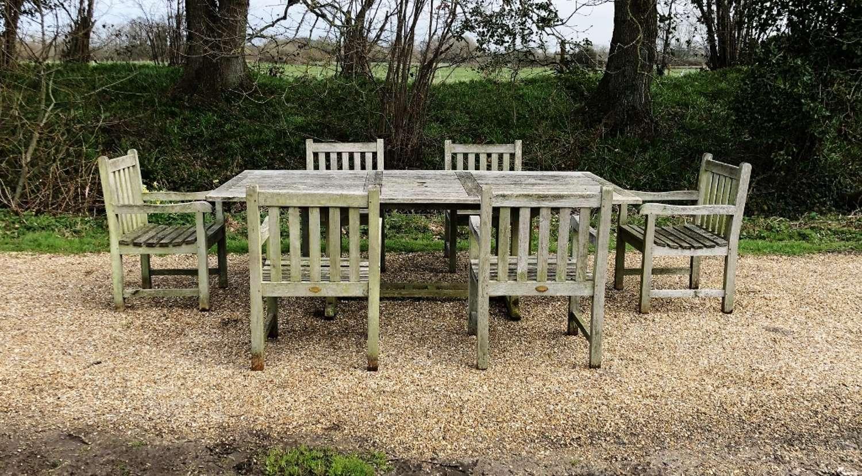 Traditional Seating Set
