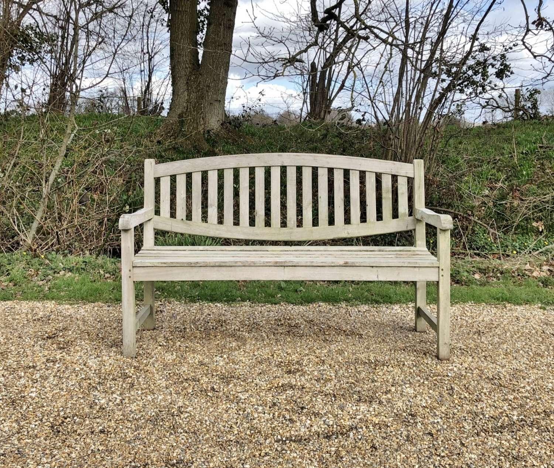 Oval Back Bench