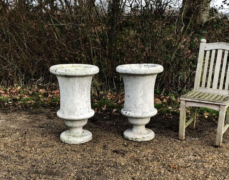 Pair of Simple Urns