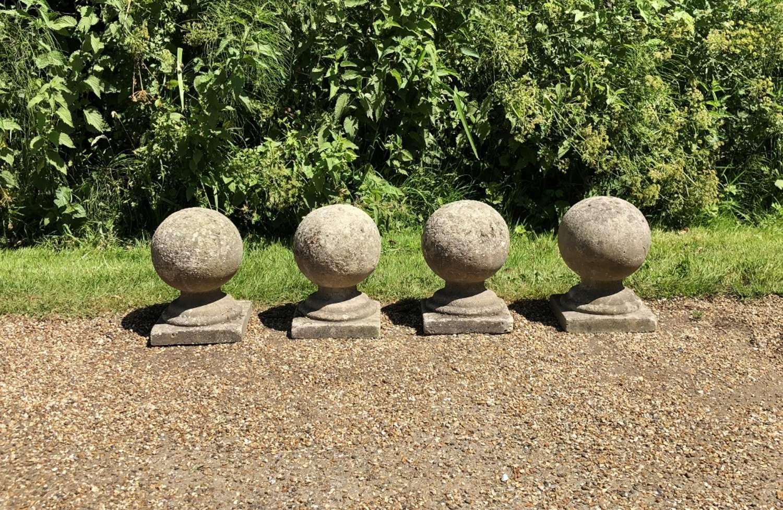 Set of 4 Small Ball Finials
