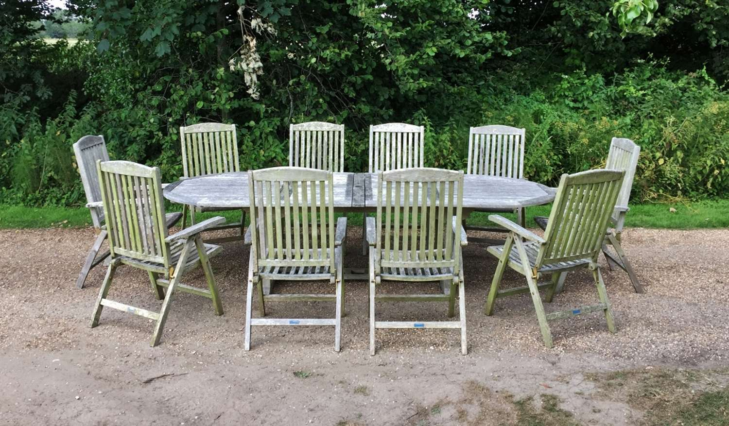 Seating Set with 10 Folding Chairs