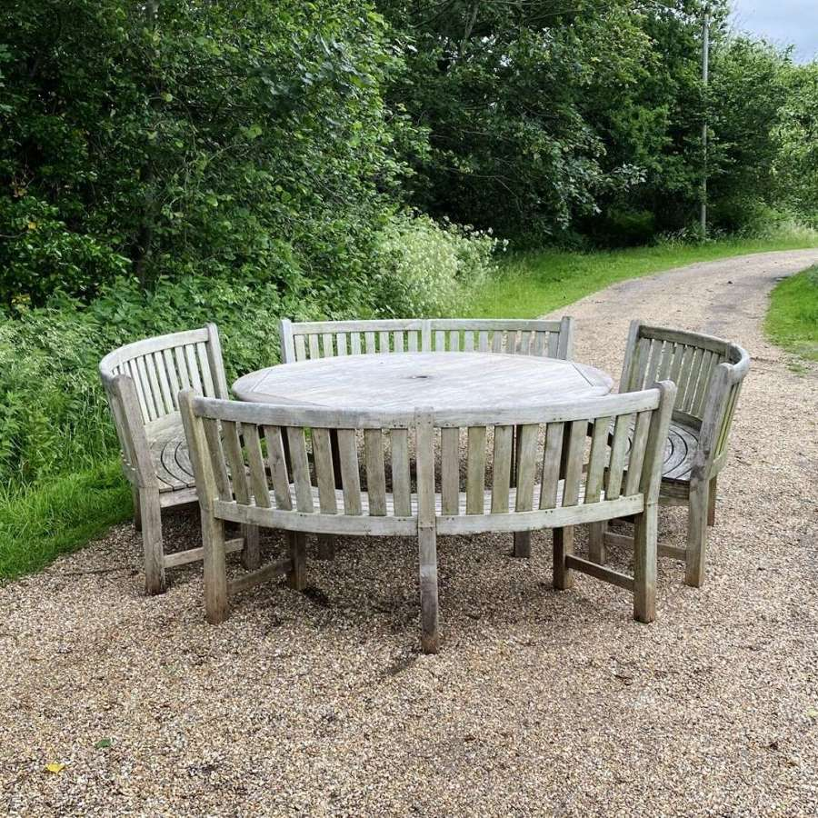 Large Curved Westminster Seating Set