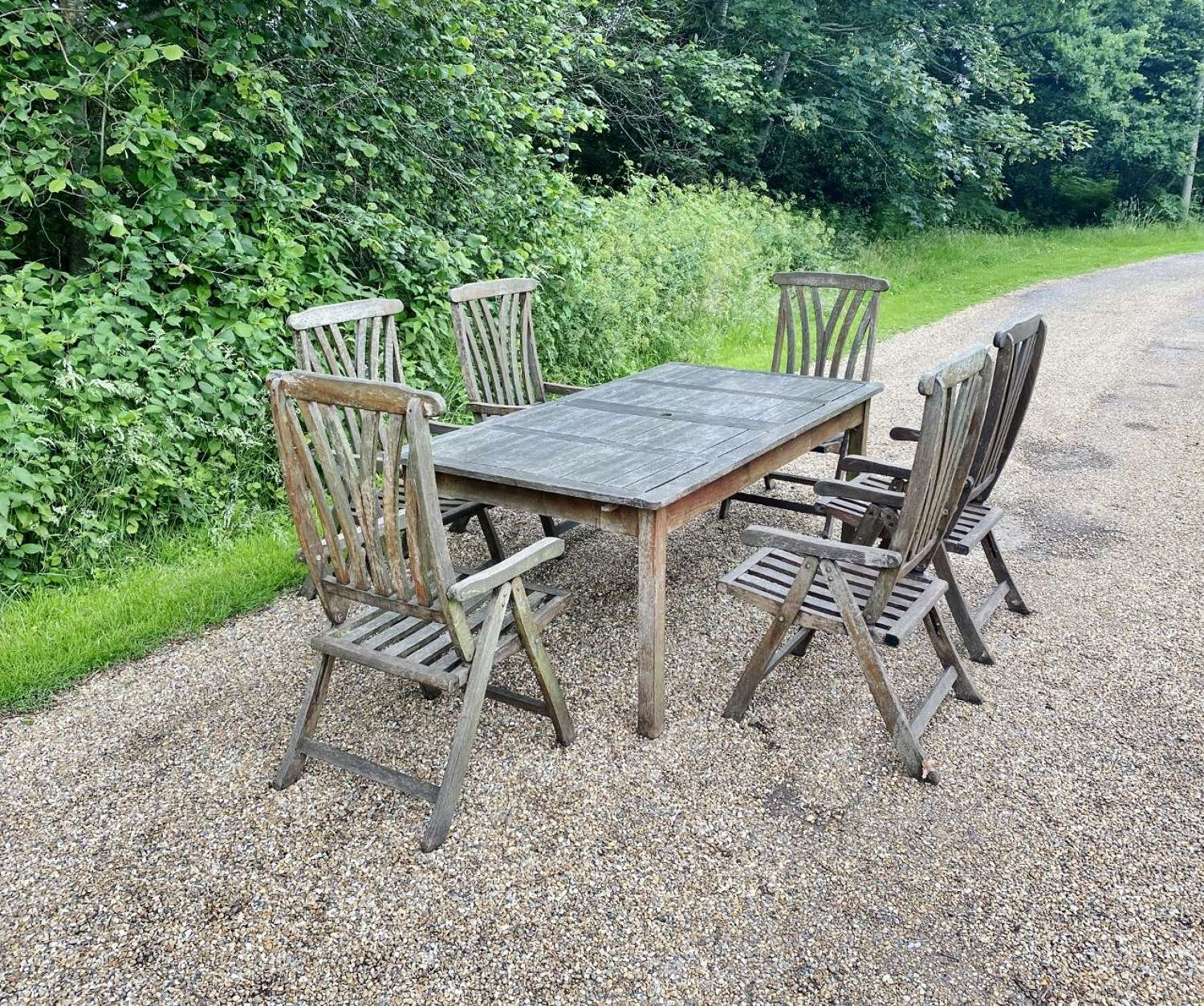 Seating Set with Folding Chairs