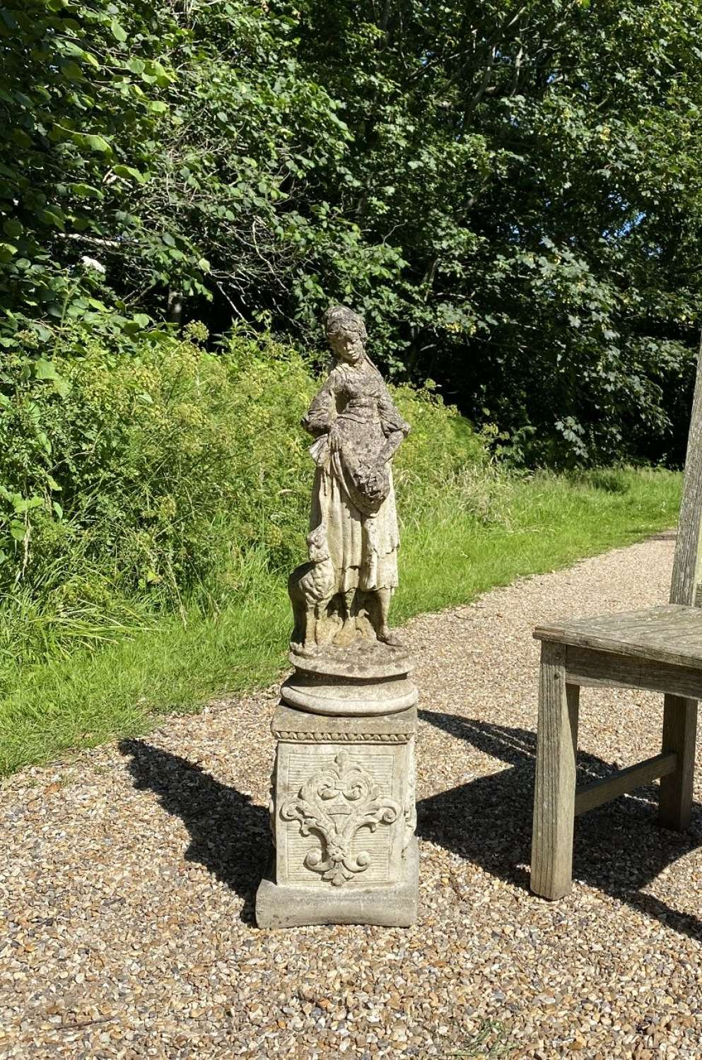Small Maiden with Pedestal